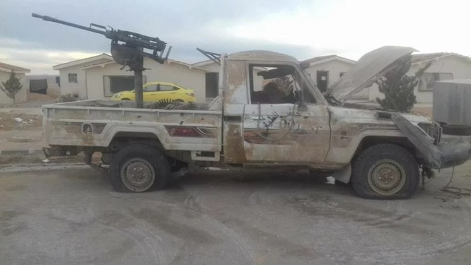 Chiến sự Syria: Phiến quân IS thảm bại tại ngoại ô Damascus (video) ảnh 6