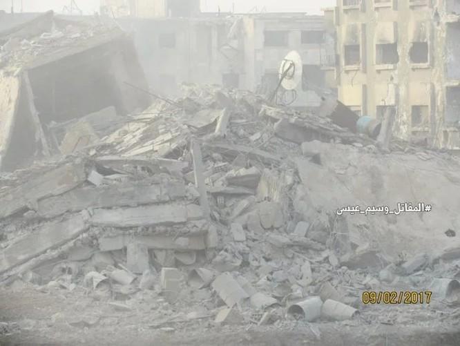"""Chiến sự Syria: Phục kích """"chôn sống"""" nhóm phiến quân Al-Qaeda ở ngoại vi Damascus ảnh 3"""
