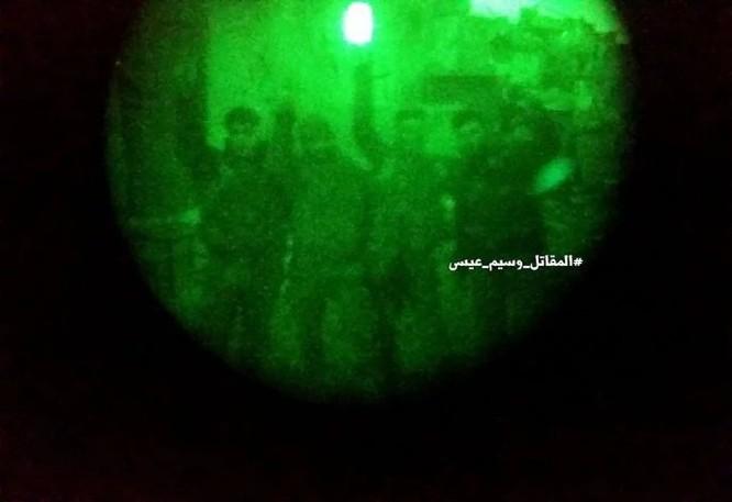 """Chiến sự Syria: Phục kích """"chôn sống"""" nhóm phiến quân Al-Qaeda ở ngoại vi Damascus ảnh 4"""