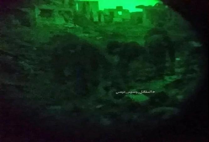 """Chiến sự Syria: Phục kích """"chôn sống"""" nhóm phiến quân Al-Qaeda ở ngoại vi Damascus ảnh 5"""