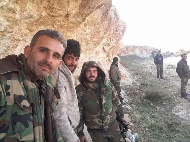 """Chiến sự đông Aleppo: """"Hổ Syria"""" tung đòn đánh sào huyệt IS ảnh 4"""