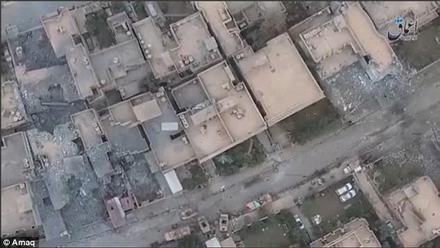 Sốc: IS không kích quân đội Iraq ở Mosul bằng UAV (video) ảnh 3