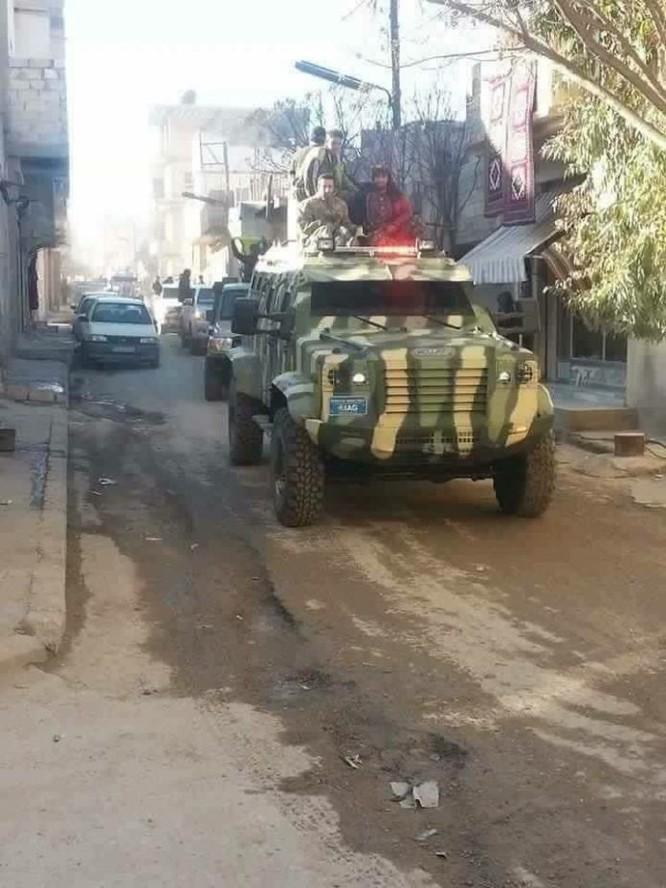 """IS đánh lui dân quân người Kurd ở """"thủ đô"""" Raqqa ảnh 2"""