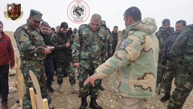 """Chiến sự Syria: Nga huấn luyện """"lên đời"""" quân Assad (ảnh) ảnh 4"""