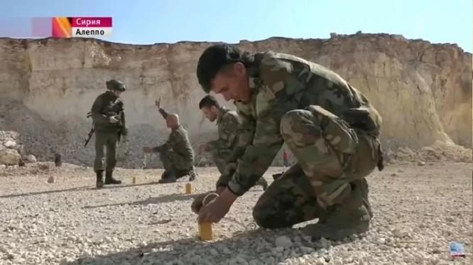 """Chiến sự Syria: Nga huấn luyện """"lên đời"""" quân Assad (ảnh) ảnh 13"""