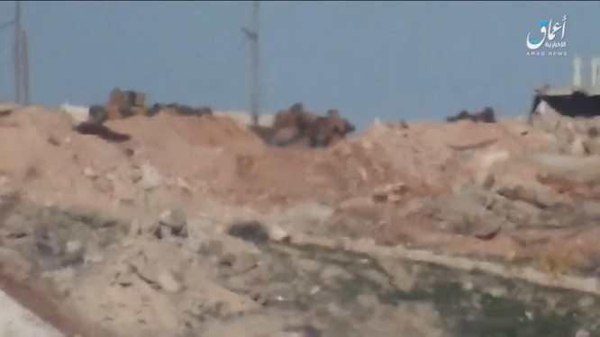 """Phiến quân IS lại """"hạ nhục"""" xe tăng Thổ Nhĩ Kỳ ở Syria ảnh 2"""