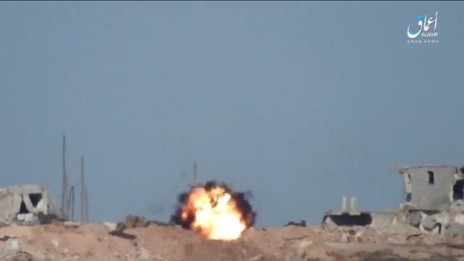 """Phiến quân IS lại """"hạ nhục"""" xe tăng Thổ Nhĩ Kỳ ở Syria ảnh 3"""
