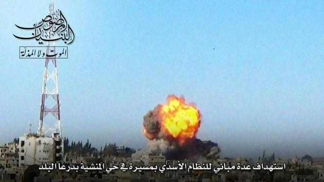 Chảo lửa Daraa: Quân Assad hỗn chiến với IS và phiến quân Hồi giáo ảnh 1