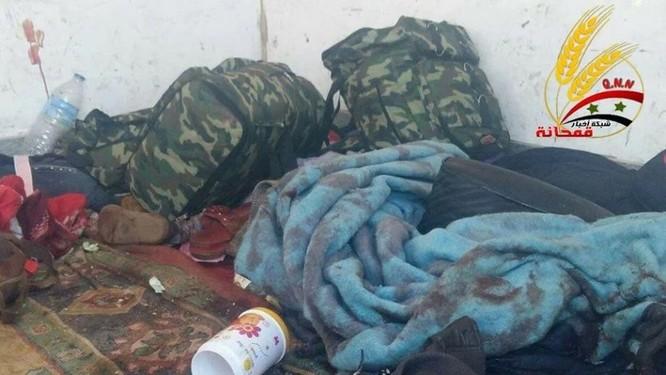 Chiến sự Syria: Sập bẫy phục kích, đoàn xe thánh chiến bị hốt gọn ảnh 3