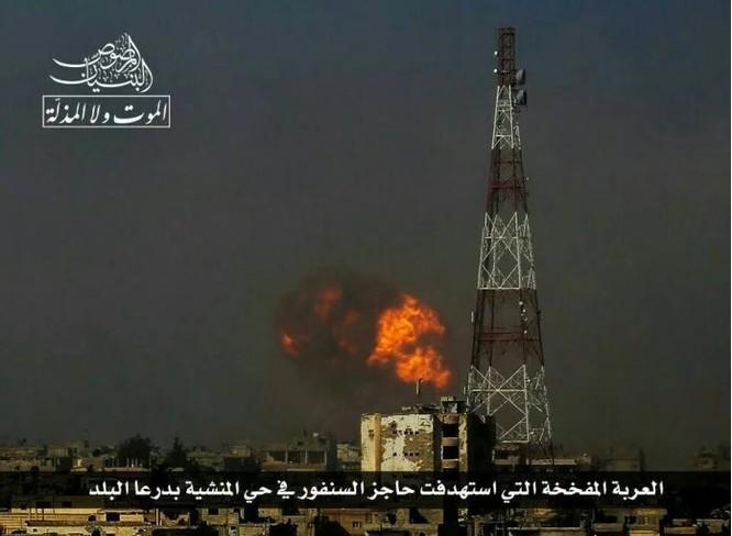 Chảo lửa Daraa: Phiến quân Syria đánh bom tự sát, không quân Nga-Syria ồ ạt trút sấm sét ảnh 3