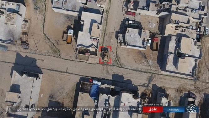 IS không kích bằng UAV, phá hủy xe thiết giáp Iraq ảnh 2