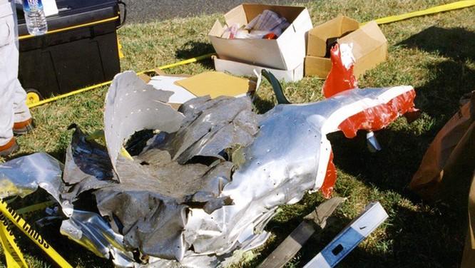 FBI công bố những bức ảnh chưa từng biết đến về vụ tấn công khủng bố Lầu Năm Góc ngày 11.9.2001 ảnh 3