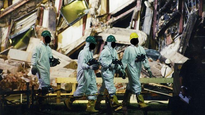 FBI công bố những bức ảnh chưa từng biết đến về vụ tấn công khủng bố Lầu Năm Góc ngày 11.9.2001 ảnh 10