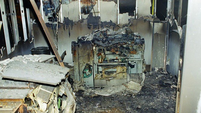 FBI công bố những bức ảnh chưa từng biết đến về vụ tấn công khủng bố Lầu Năm Góc ngày 11.9.2001 ảnh 11