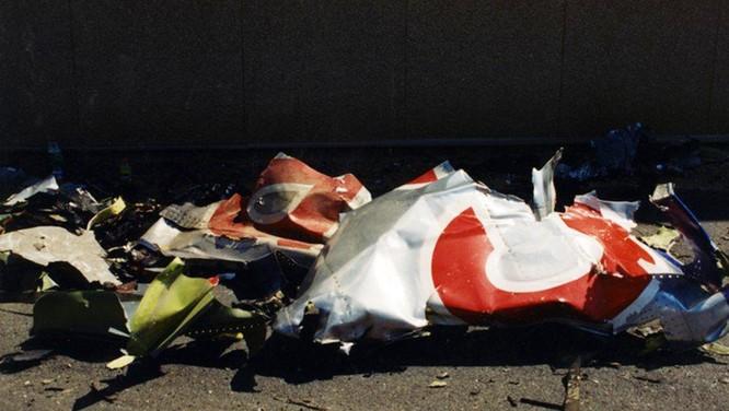 FBI công bố những bức ảnh chưa từng biết đến về vụ tấn công khủng bố Lầu Năm Góc ngày 11.9.2001 ảnh 18