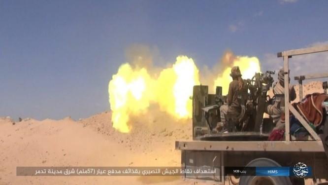 Trận chiến Palmyra: Quân đội Syria giao chiến ác liệt với IS ảnh 4