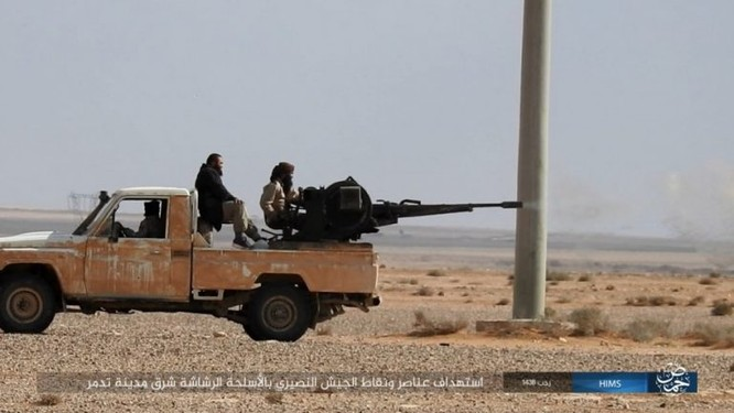 Trận chiến Palmyra: Quân đội Syria giao chiến ác liệt với IS ảnh 13