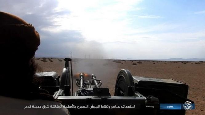 Trận chiến Palmyra: Quân đội Syria giao chiến ác liệt với IS ảnh 14