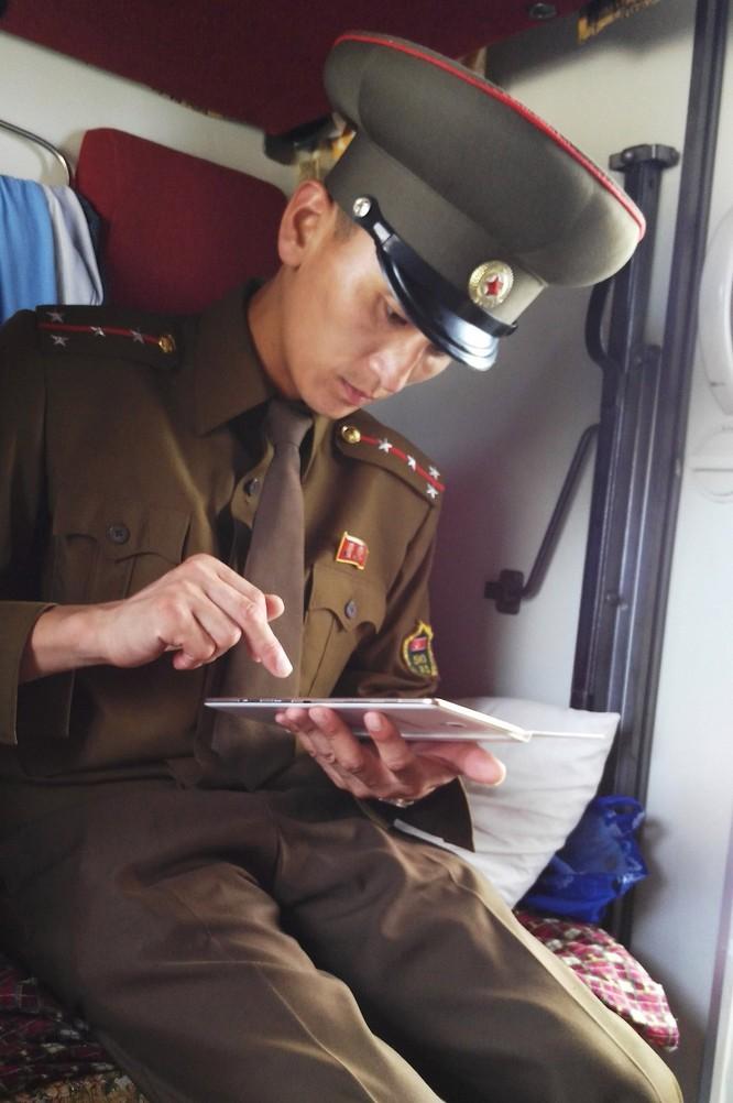 Cuộc sống bên trong đất nước Triều Tiên qua điện thoại di động ảnh 12