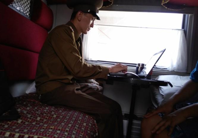 Cuộc sống bên trong đất nước Triều Tiên qua điện thoại di động ảnh 13