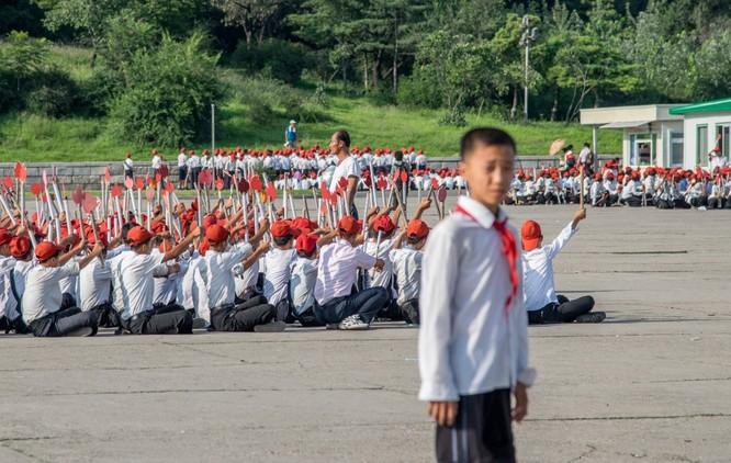 Cuộc sống bên trong đất nước Triều Tiên qua điện thoại di động ảnh 21