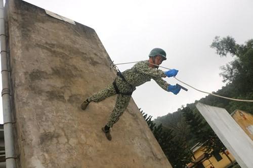 Tuyệt kỹ đặc công Việt Nam xuất quỷ nhập thần (chùm ảnh video) ảnh 14