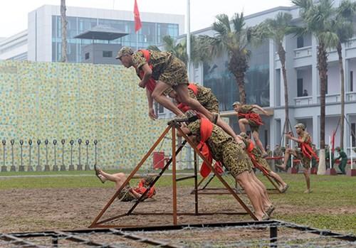 Tuyệt kỹ đặc công Việt Nam xuất quỷ nhập thần (chùm ảnh video) ảnh 29