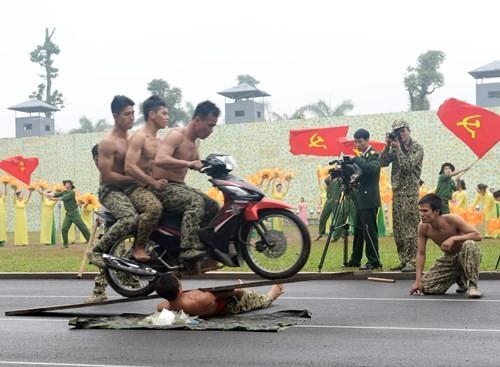 Tuyệt kỹ đặc công Việt Nam xuất quỷ nhập thần (chùm ảnh video) ảnh 32