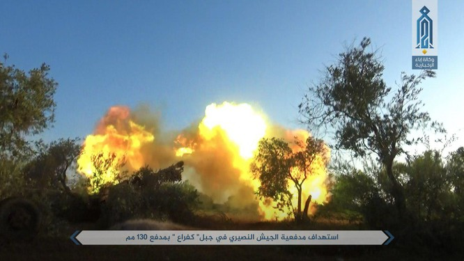 Quân đội Syria bị tấn công dữ dội sau đòn tập kích tên lửa Mỹ (video) ảnh 2