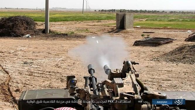 Mỹ hậu thuẫn người Kurd diệt hàng chục phiến quân IS ở Raqqa (video) ảnh 11
