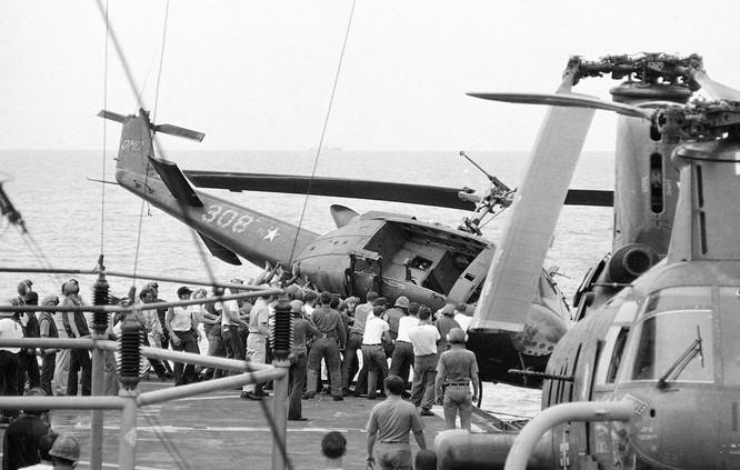 Mỹ và chiến dịch ném trực thăng xuống Biển Đông năm 1975 ảnh 5