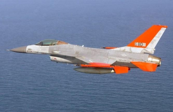 """Mỹ """"cấy"""" trí tuệ nhân tạo vào chiến đấu cơ F-16 ảnh 1"""