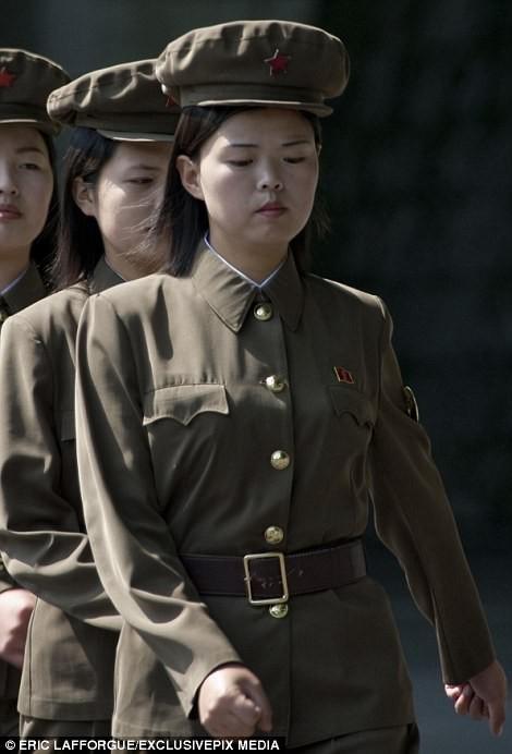 Binh sĩ Triều Tiên trước giông bão chiến tranh (ảnh + video) ảnh 2