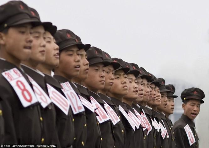 Binh sĩ Triều Tiên trước giông bão chiến tranh (ảnh + video) ảnh 12