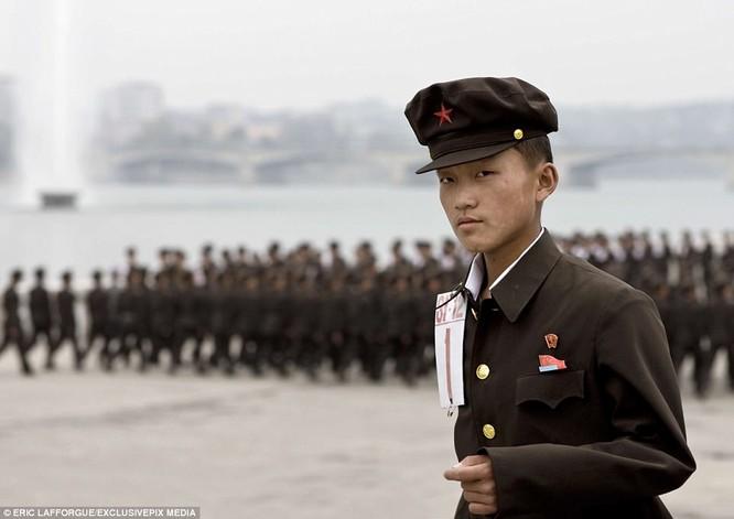 Binh sĩ Triều Tiên trước giông bão chiến tranh (ảnh + video) ảnh 16
