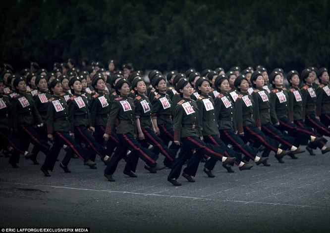 Binh sĩ Triều Tiên trước giông bão chiến tranh (ảnh + video) ảnh 19