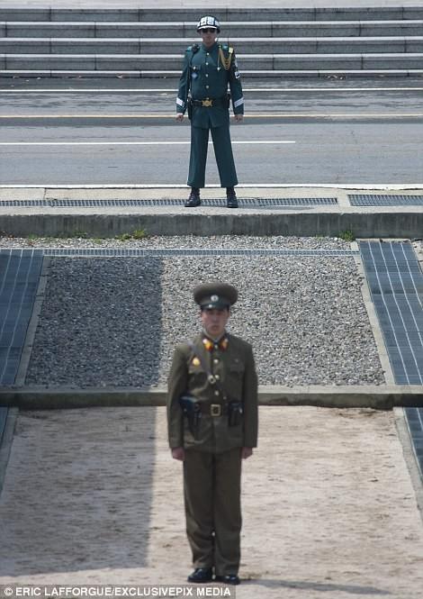 Binh sĩ Triều Tiên trước giông bão chiến tranh (ảnh + video) ảnh 24