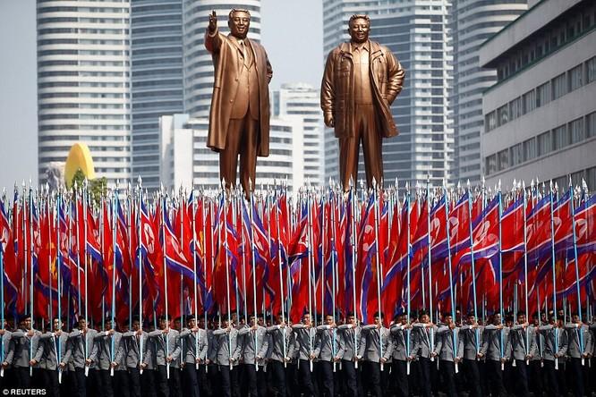 Sức mạnh quân sự Triều Tiên qua màn duyệt binh lớn nhất lịch sử ảnh 5