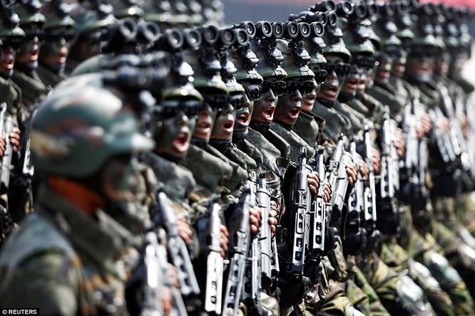 Sức mạnh quân sự Triều Tiên qua màn duyệt binh lớn nhất lịch sử ảnh 7
