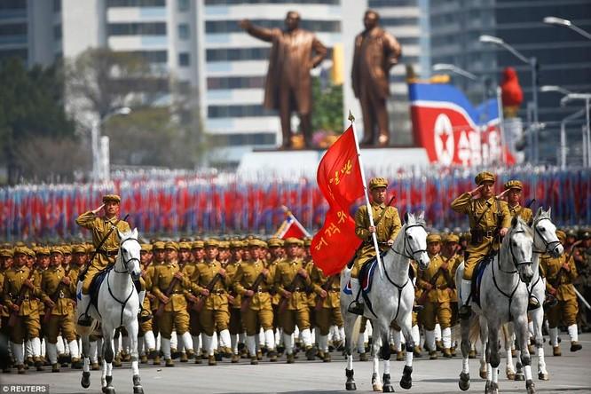 Sức mạnh quân sự Triều Tiên qua màn duyệt binh lớn nhất lịch sử ảnh 13