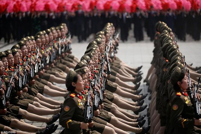 Sức mạnh quân sự Triều Tiên qua màn duyệt binh lớn nhất lịch sử ảnh 14