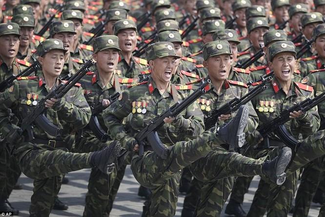 Sức mạnh quân sự Triều Tiên qua màn duyệt binh lớn nhất lịch sử ảnh 15