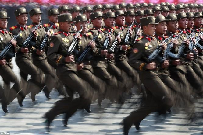 Sức mạnh quân sự Triều Tiên qua màn duyệt binh lớn nhất lịch sử ảnh 18