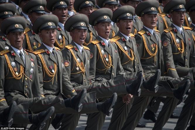 Sức mạnh quân sự Triều Tiên qua màn duyệt binh lớn nhất lịch sử ảnh 22
