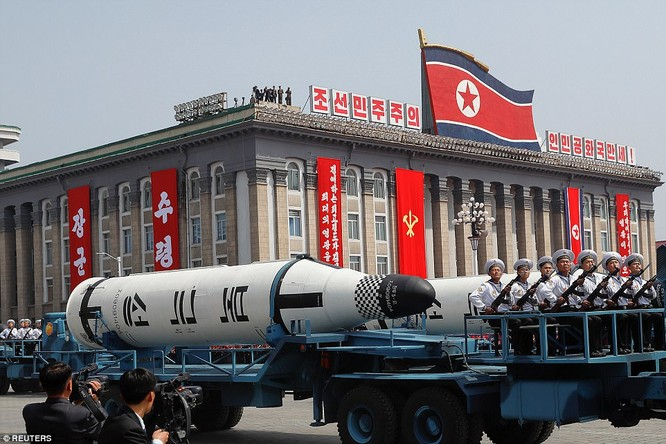 Sức mạnh quân sự Triều Tiên qua màn duyệt binh lớn nhất lịch sử ảnh 24