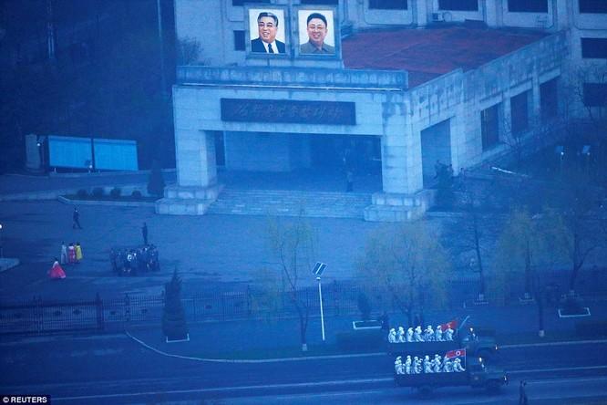 Sức mạnh quân sự Triều Tiên qua màn duyệt binh lớn nhất lịch sử ảnh 40