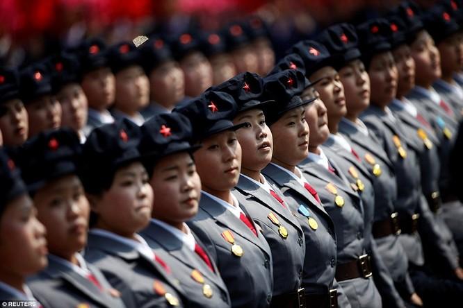 Sức mạnh quân sự Triều Tiên qua màn duyệt binh lớn nhất lịch sử ảnh 41