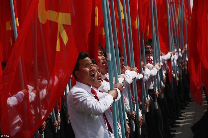 Sức mạnh quân sự Triều Tiên qua màn duyệt binh lớn nhất lịch sử ảnh 42