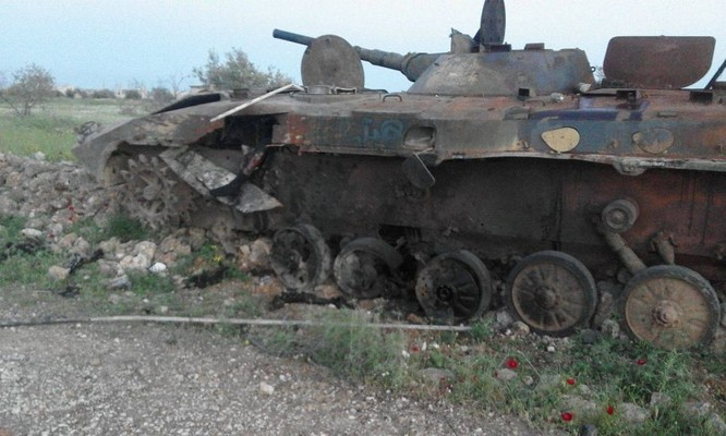 Quân đội Syria hủy diệt hàng chục xe phiến quân, hơn 50 tay súng thánh chiến chết trận (video) ảnh 3