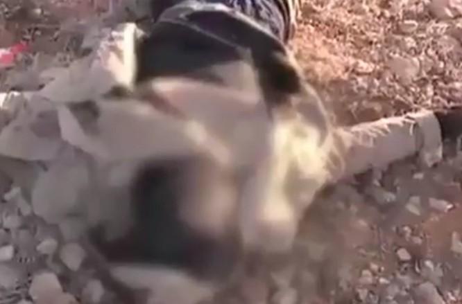 Quân đội Syria hủy diệt hàng chục xe phiến quân, hơn 50 tay súng thánh chiến chết trận (video) ảnh 11